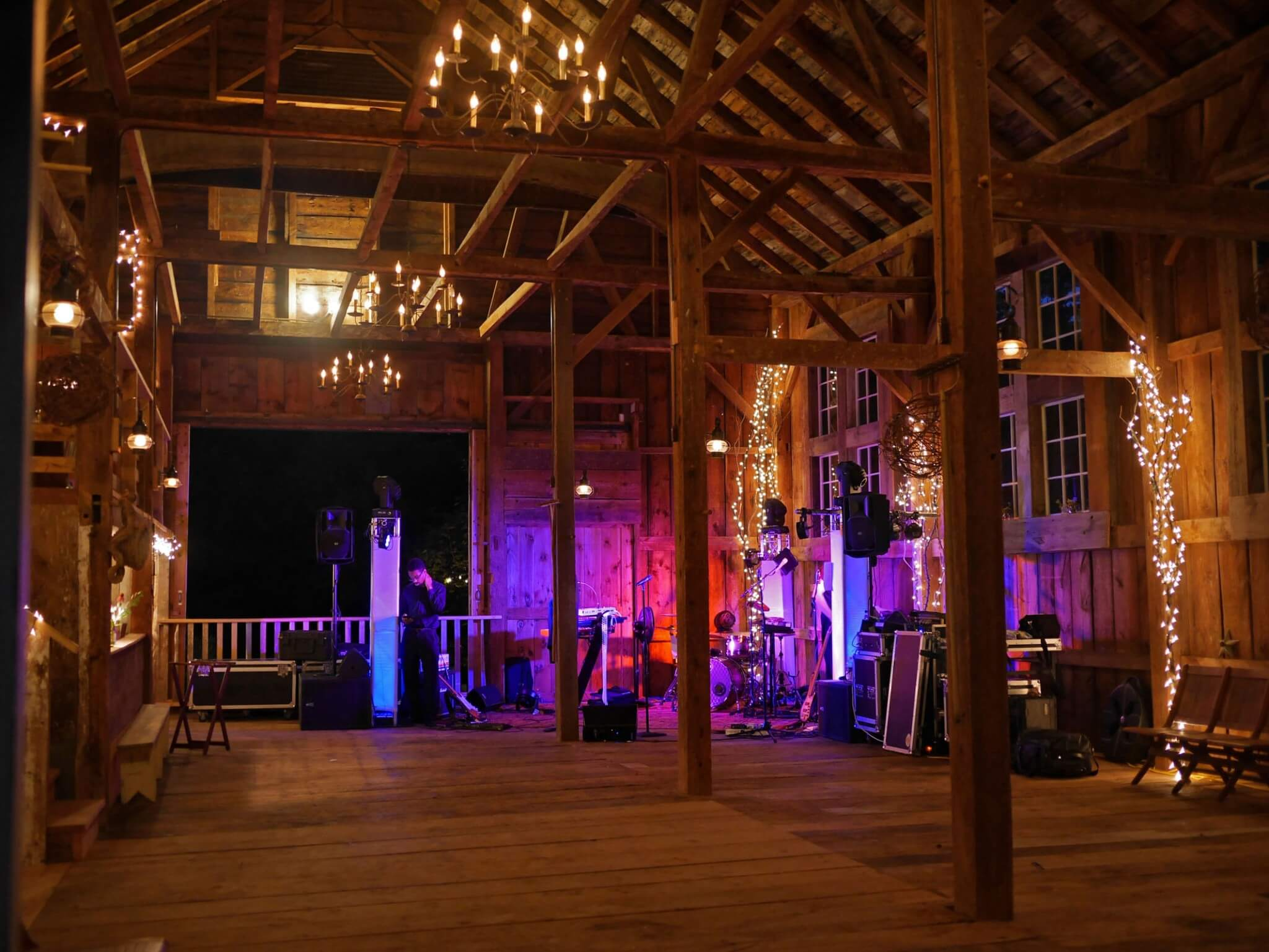Wedding The Josias River Farm Boston Wedding Bands Dj Combos Boston Common Band